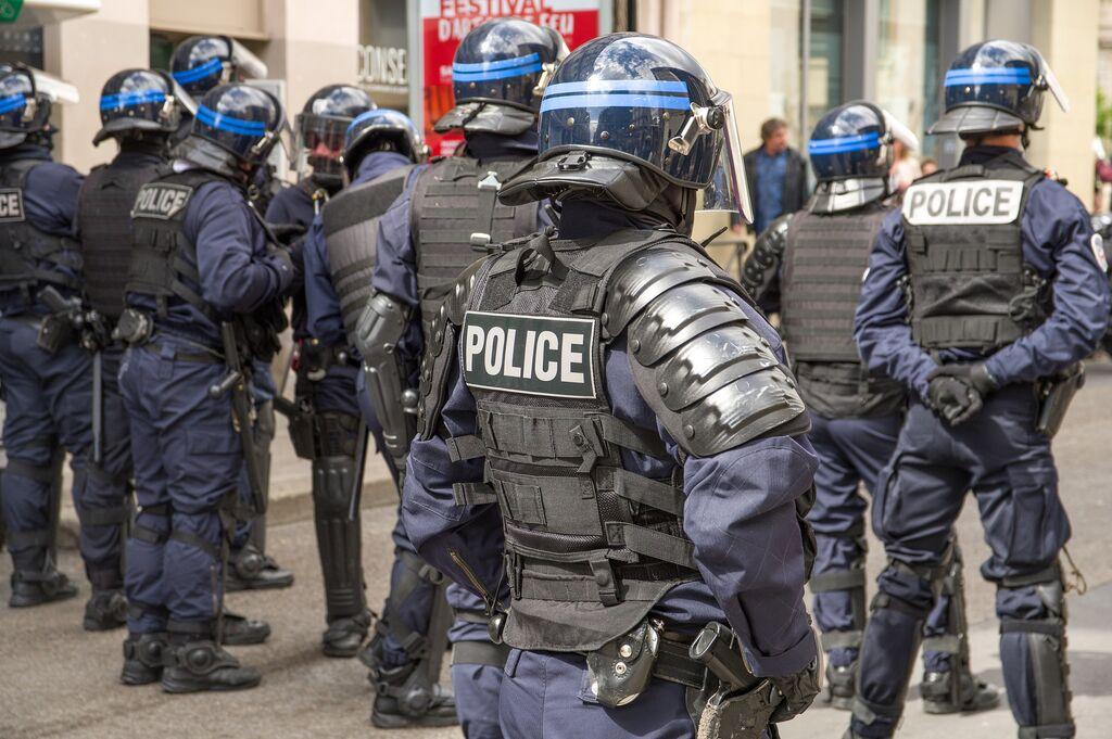 Art. 270 codice penale: cosa fare con un'accusa di terrorismo?