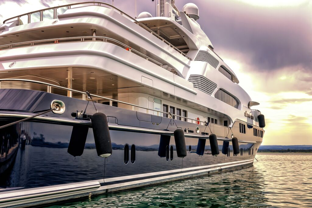 Luxury Yacht outside the EU: rules and procedure for the temporary admission to EU